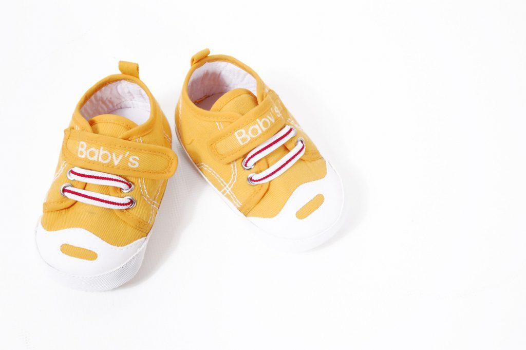 Buciki dla niemowląt – kiedy i jakie wybrać?